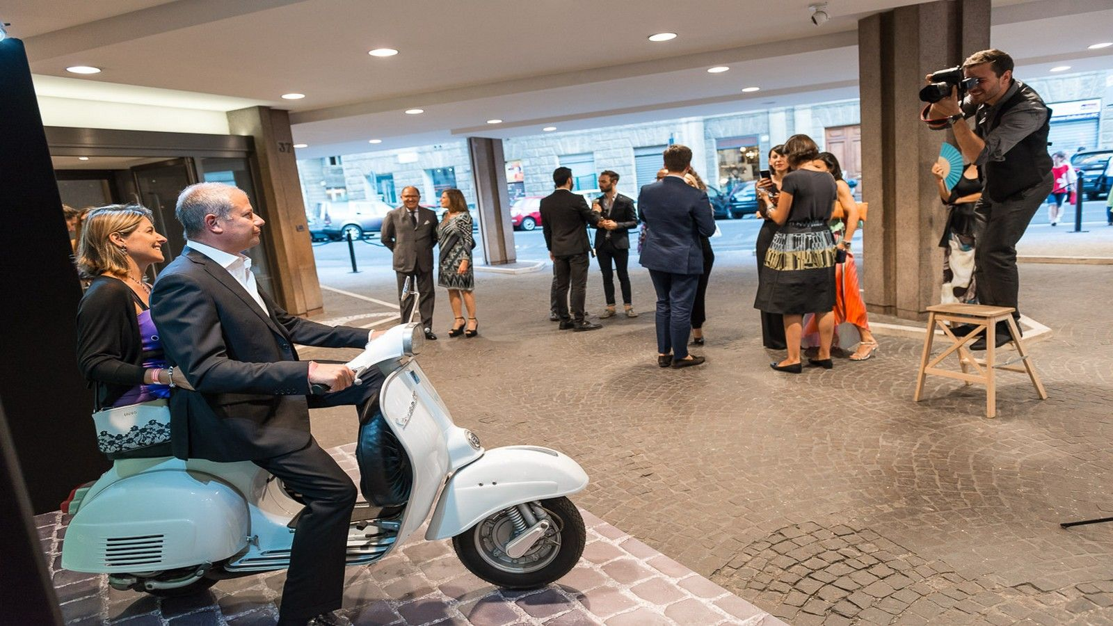 le meridien guests on vespa